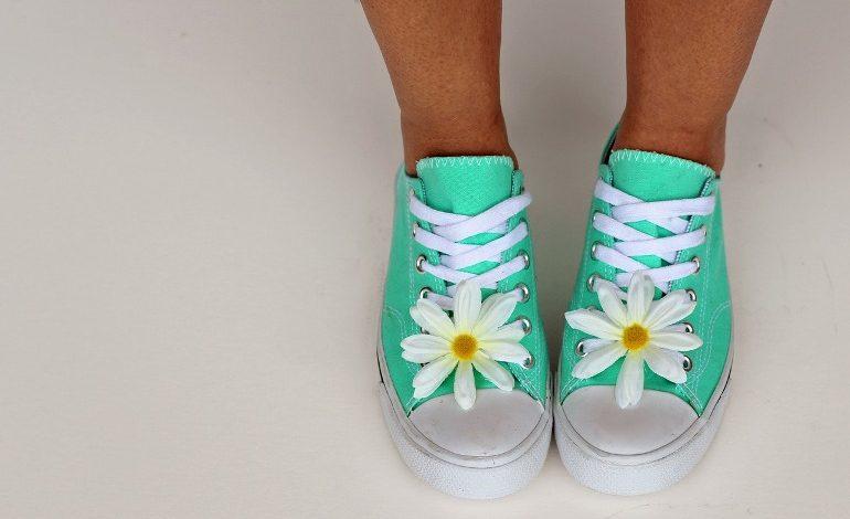 Какой вид обуви носят летом в Хабаровске?