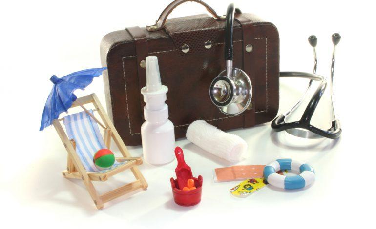 В отпуск с ребенком: собираем аптечку