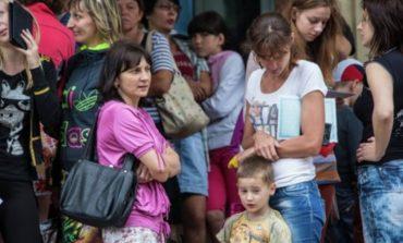 Беженцам из Донбасса помогают Красный крест и хабаровские рокеры