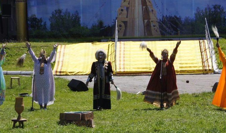 Хабаровск встретил лето по-якутски