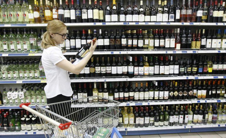 С 1 июля каждая проданная бутылка крепкого алкоголя будет под контролем, уверяют чиновники