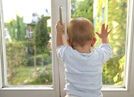 Картинки по запросу картинка ребенок в окне