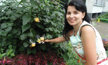 Татьяна Гладких превратила двор своего дома в сказку