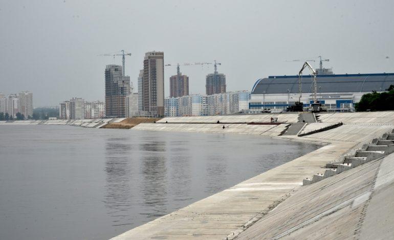 """Дамба в районе арены """"Ерофей"""" уже наполовину готова к защите Хабаровска от наводнений"""