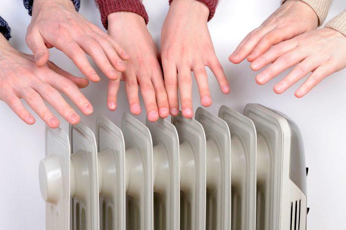 Регионам разрешили досрочно включать отопление
