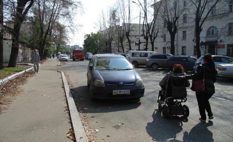Инвалиды-колясочники продолжают составлять карту доступных мест Хабаровска