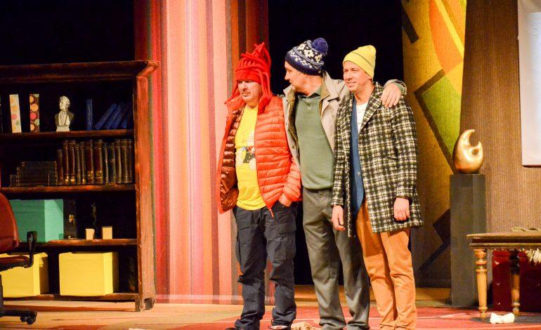 Спектакль о мужской дружбе показали хабаровчанам на сцене Музыкального театра