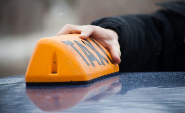 """Сервис """"Яндекс. Такси"""" обнадёжил обнищавшего таксиста из Хабаровска"""