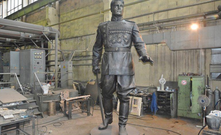 Памятник маршалу Александру Василевскому доставили в Хабаровск