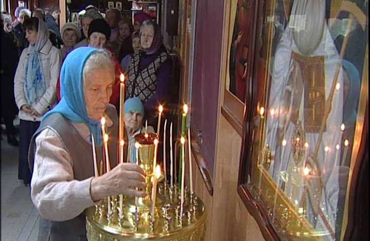 Первую службу в вагоне-храме провели хабаровские священники