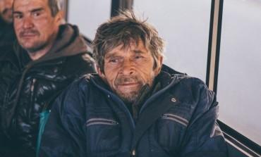 Хабаровских бомжей развозят по домам (ФОТО)