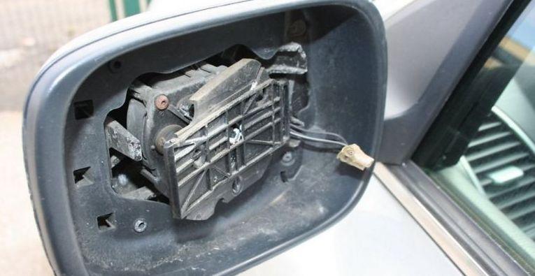 Хабаровчанин подозревается в краже сотни автомобильных зеркал
