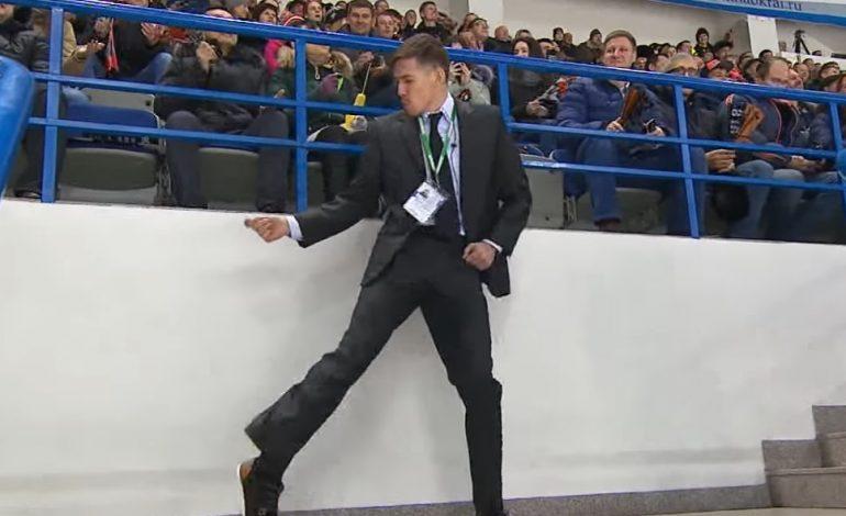 Танцующий во время матча ХК «Амур» охранник развеселил болельщиков (ВИДЕО)