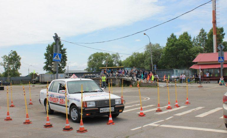 Хабаровские автовладельцы не умеют рулить, – инструктор по экстремальному вождению Вячеслав Менжицкий