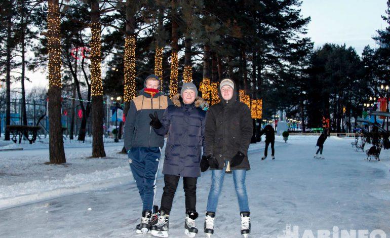 Хабаровчане недовольны качеством льда на катке Центральной Набережной (ФОТОРЕПОРТАЖ)