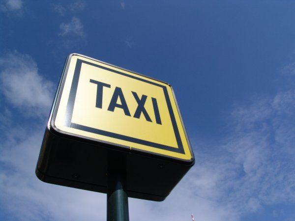 Нелегальных таксистов в Хабаровске намерены искоренить за два года