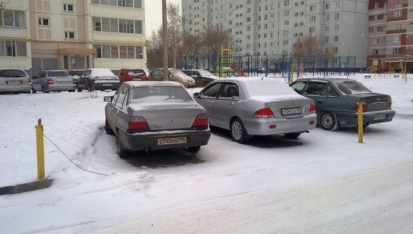 Хабаровчане решают проблемы с парковками за свой счет