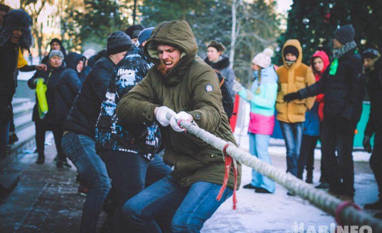 Хабаровские студенты отметили Татьянин день веселыми эстафетами и пирожками от ректората (ФОТОРЕПОРТАЖ)