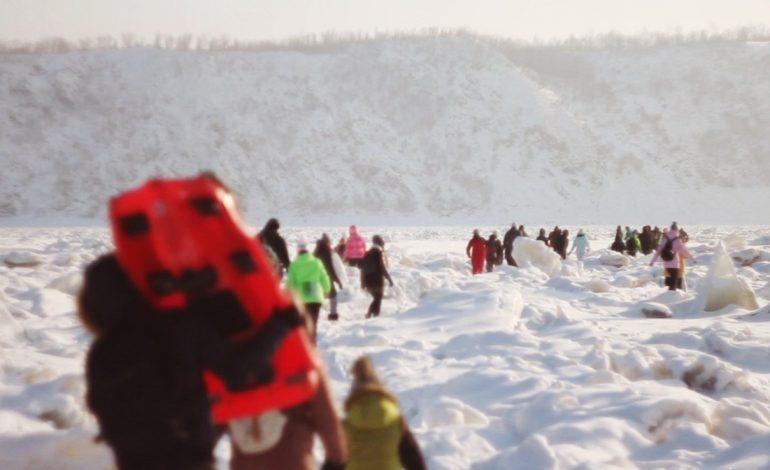 Около ста человек пройдут по льду Амура от Хабаровска до Комсомольска за 13 дней