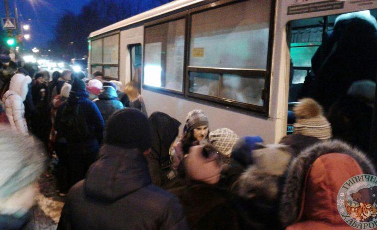 Фото транспортного коллапса в Хабаровске оказалось ненастоящим
