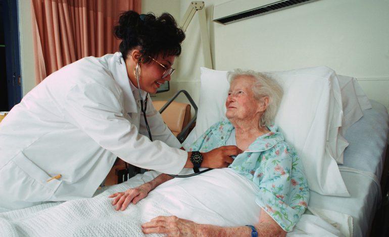 Выплата пенсии, если пенсионер лежит в больнице