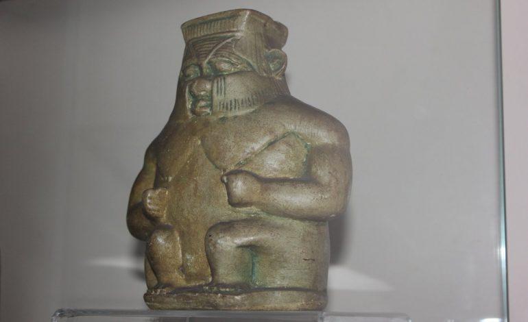 Египетский домовой и праматерь Нейт хранятся в Дальневосточном художественном музее