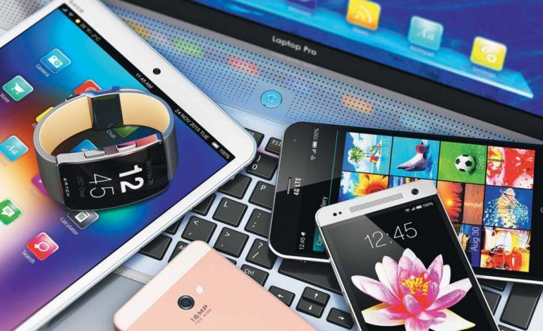 """Капризные гаджеты хабаровчан: что делать, если смартфон """"глючит"""""""