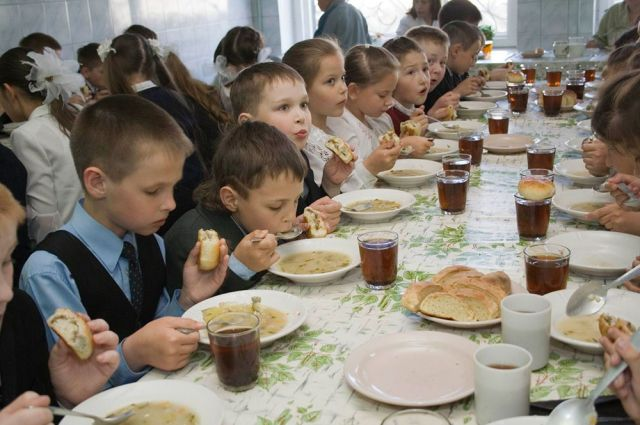 Роспотребнадзор снова не доволен питанием в детских садах и школах Хабаровска