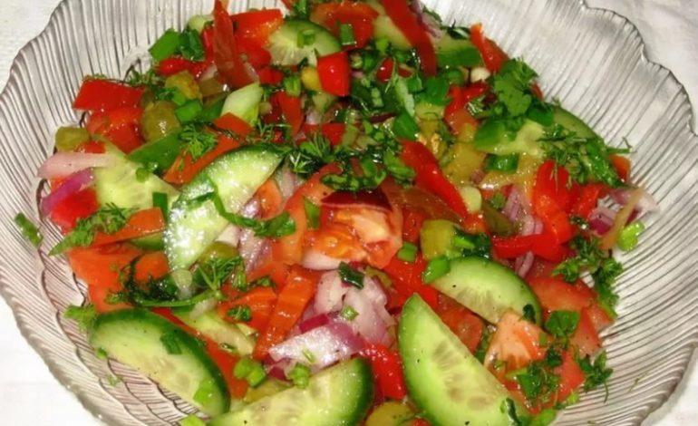 Правила заправки салата из свежих овощей