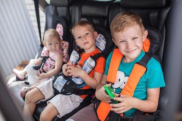 Кому автокресло, а кому и бустер: как возить детей в автомобиле