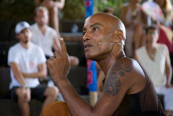 Индонезийский йог провел с хабаровчанами мастер-класс по уникальному танцу (ФОТО)