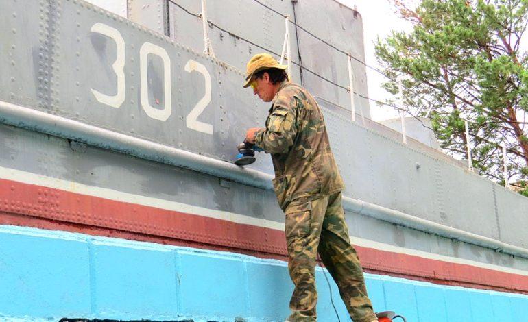 Мемориал «Бронекатер-302» в Хабаровске ремонтируют волонтеры