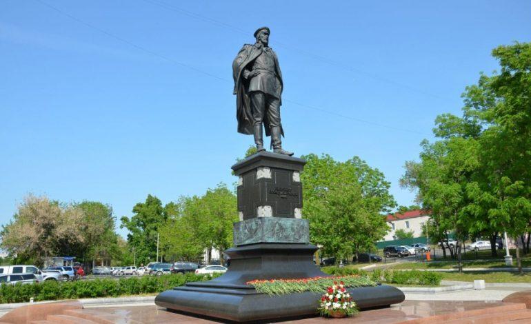 Памятнику быть: как в Хабаровске открыть мемориал или памятную доску