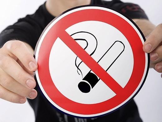 Курильщикам закон не писан: как борются с нарушителями антитабачного закона в Хабаровске