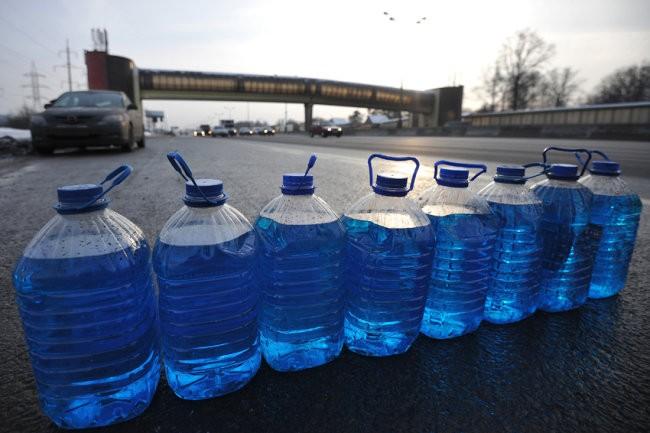 Опасная стеклоомывайка: некачественную жидкость для авто продавали хабаровчанам