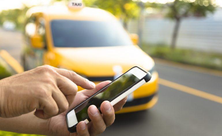 Отдать нельзя присвоить: что делать, если оставил вещи в такси