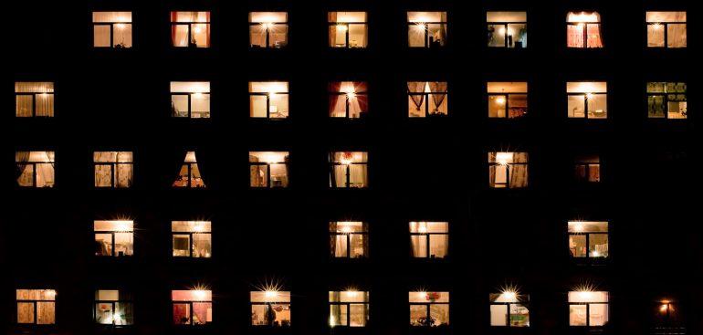 день заглядывания окна