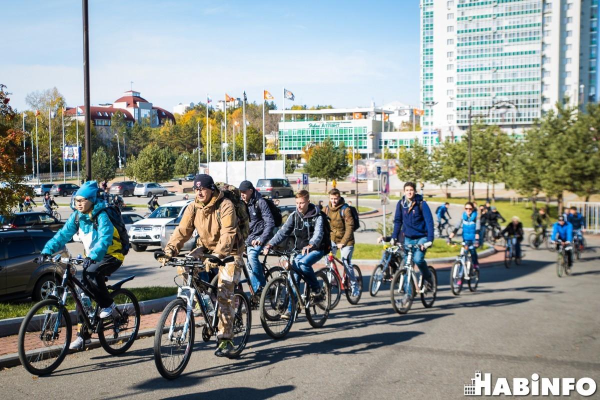 Из велосипедистов в пешеходы: велосезон завершился в Хабаровске