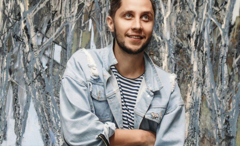 «Больше всего меня вдохновляют люди» — хабаровский художник Иван Федотов о тонкостях своей профессии