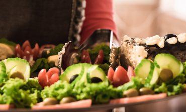 Новогодний стол просто и вкусно: что приготовить к торжеству?