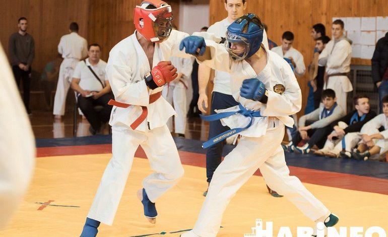 «Разборки» на татами:  лучших представителей всестилевого каратэ выбрали в Хабаровске