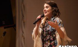 Московская певица заставила хабаровчан смеяться и рыдать