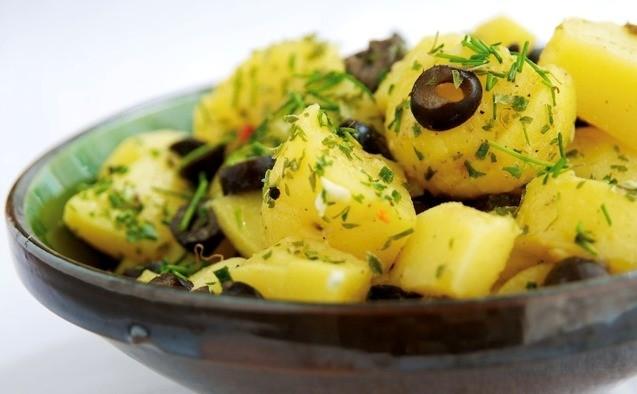 Картошка, лук и маслины: изобретение чеховского салата на хабаровской кухне