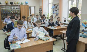 В школе, где отравились дети, нашли новый источник заражения и новую инфекцию