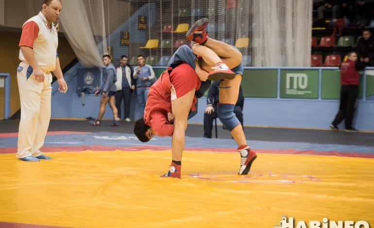 Финал чемпионата России по самбо: прямая трансляция на Habinfo.ru