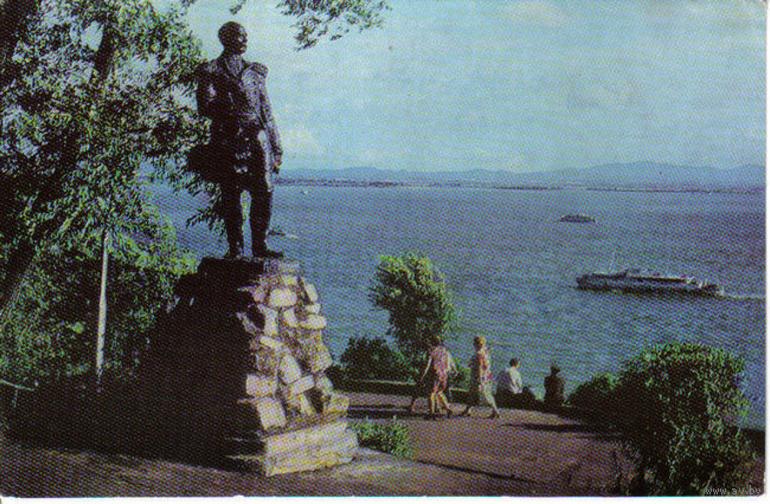 хабаровске скульптура памятника невельской монумент