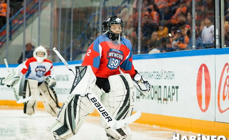 На льду с легендами: хоккейный урок для хабаровских мальчишек