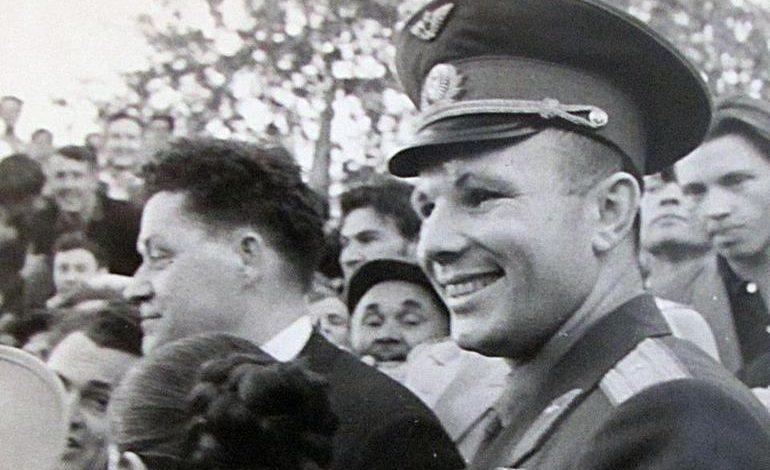 «Юра, мы всё… сохранили»: потерянная звезда Гагарина и спорное дерево