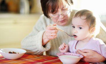 Ребенок на иждивении у пенсионера: сколько доплачивают к пенсии