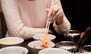«Кимчи, как у бабушки»: оцениваем кафе Ansan вместе с любителем корейской кухни